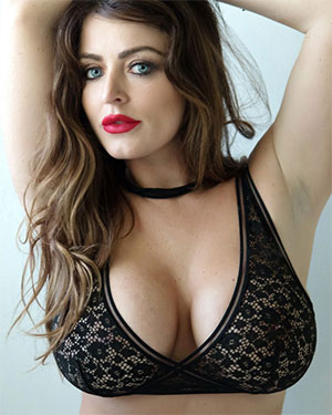 Sophie Dee Pouty and Curvy Bae