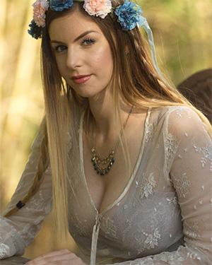 Stella Cox Busty Fairy Breathtaker