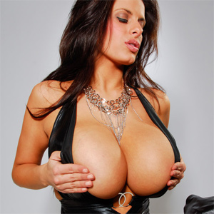 Wendy Fiore porno Kerala massage porno