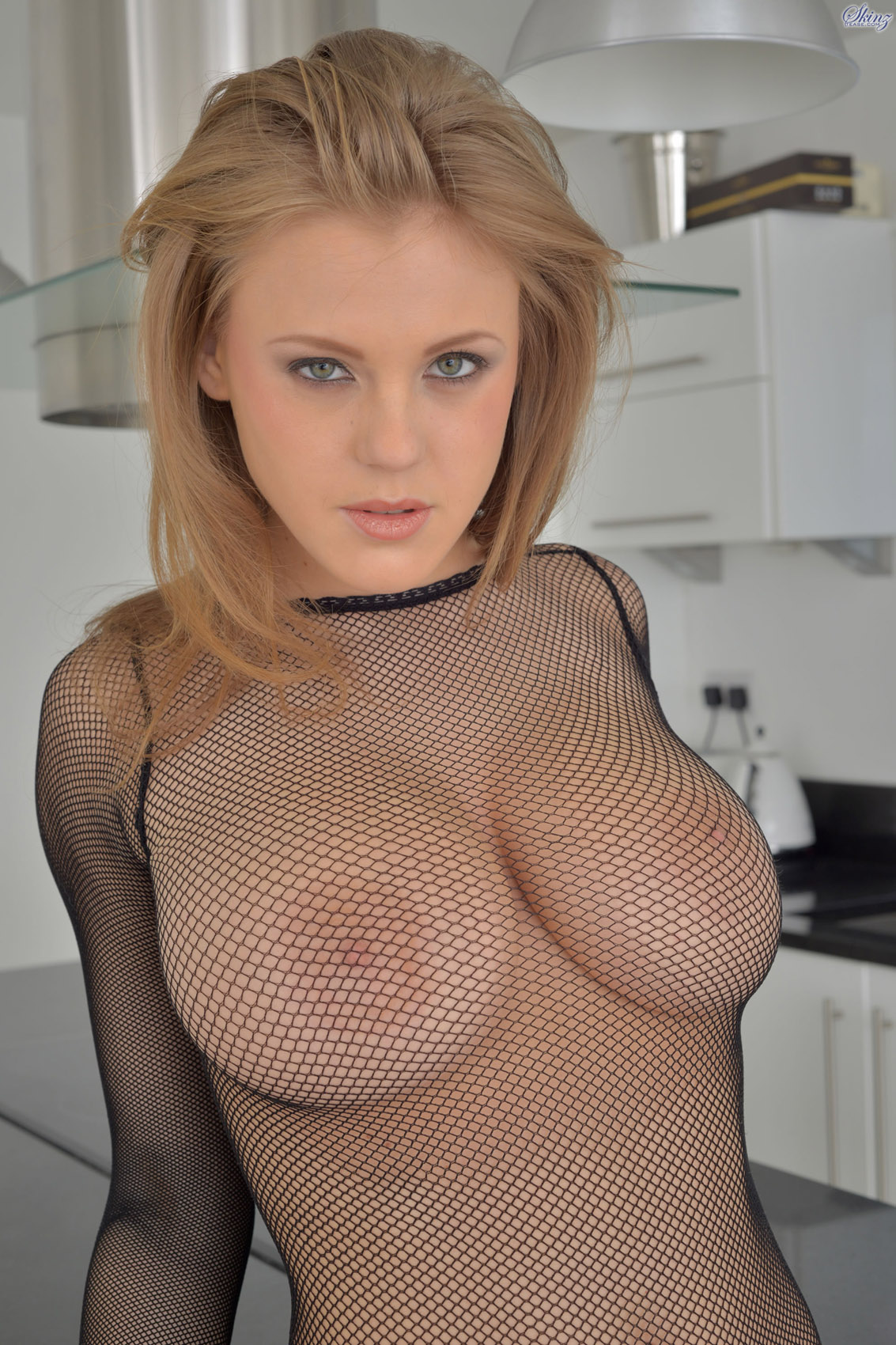 viola o fishnet outfit for zishy - bunny lust